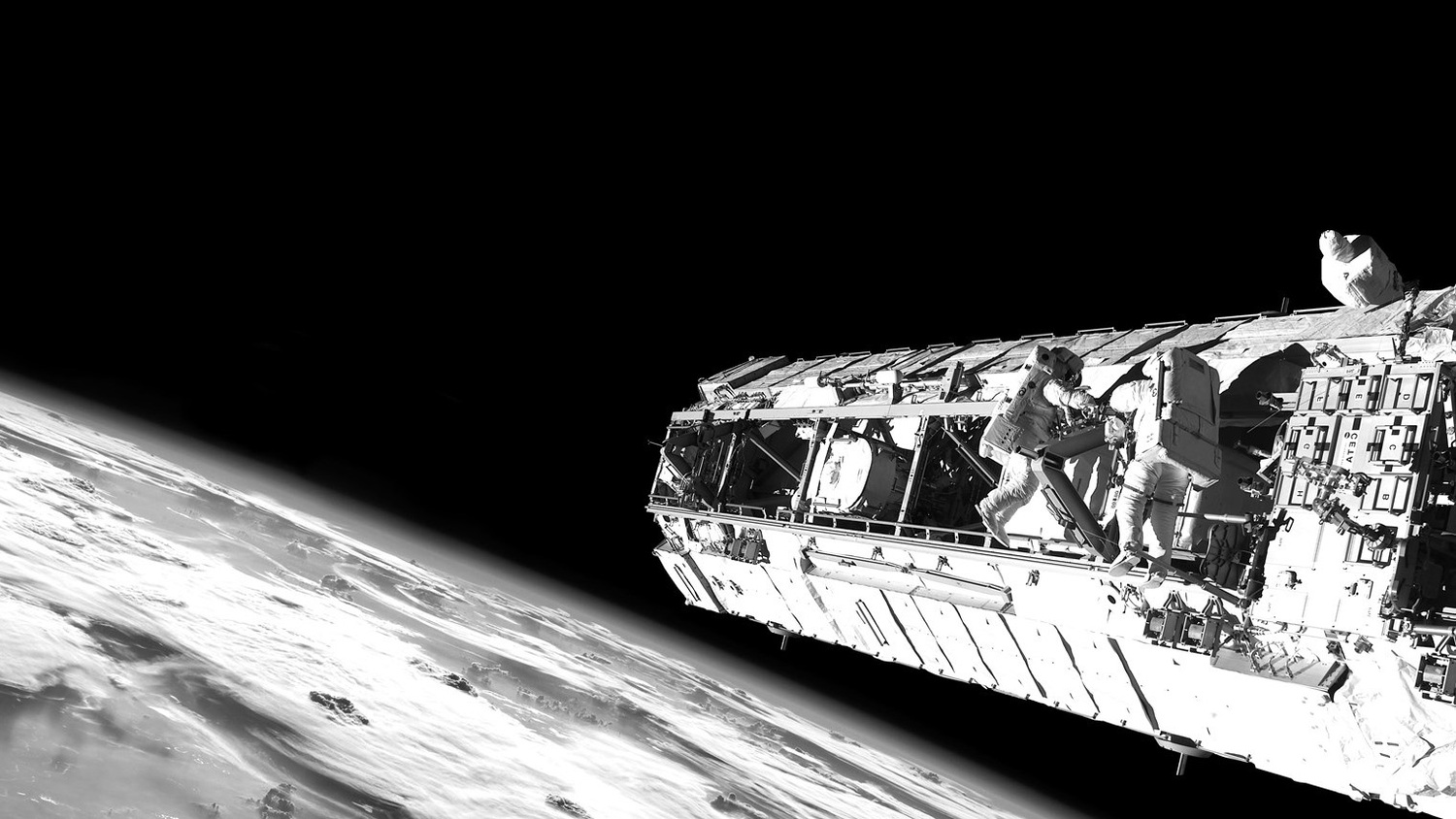 Collins Aerospace to provide an Earth-like atmosphere for future travelers heading into orbit